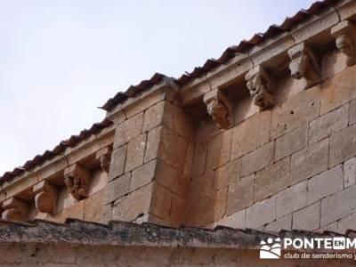 Iglesia de San Miguel - Fuentidueña - Canecillo erótico - viaje cultural en grupo; viajes de fines